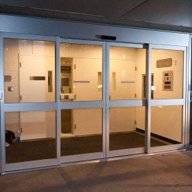 Автоматические раздвижные двери для магазина